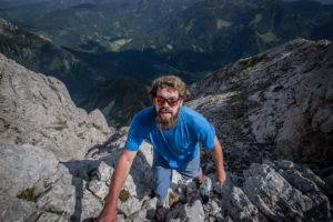 Die Mountain Dudes klettern am kleinen Ödstein zum Gipfel